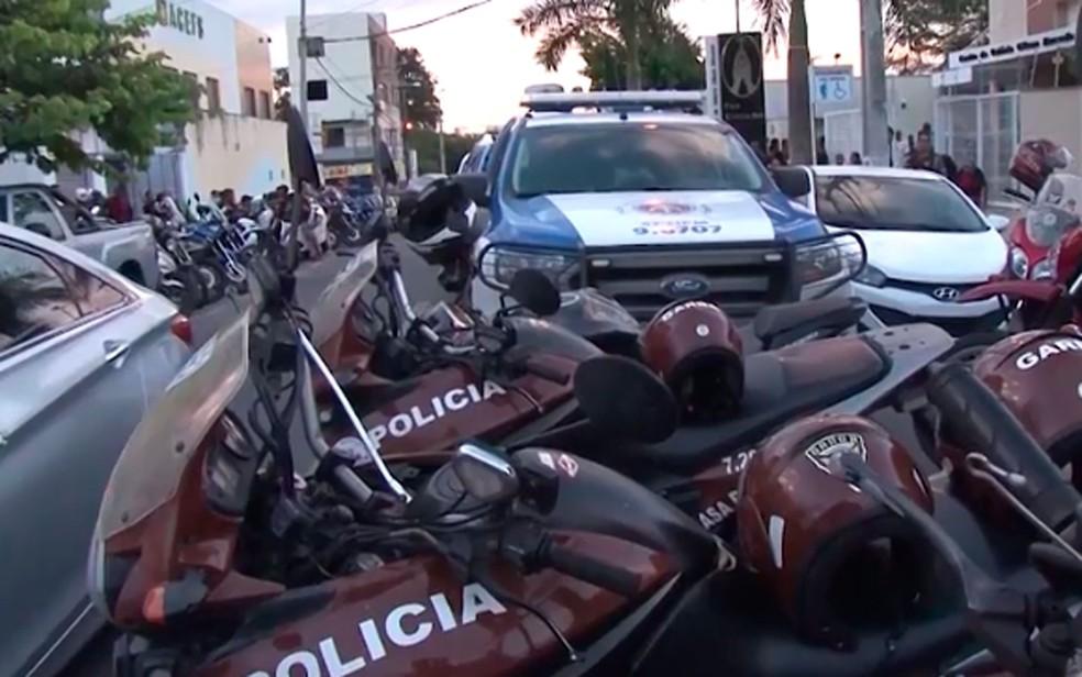 Polícia reforçou segurança atrás de suspeitos (Foto: Reprodução / TV Subaé)