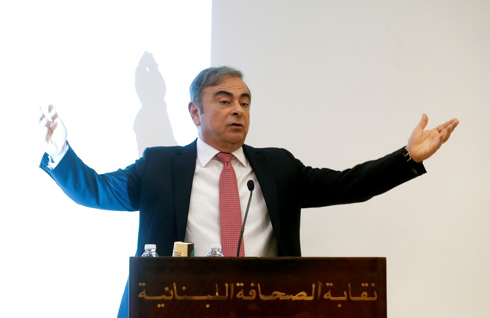 Carlos Ghosn durante coletiva no Líbano — Foto: Mohamed Azakir/Reuters