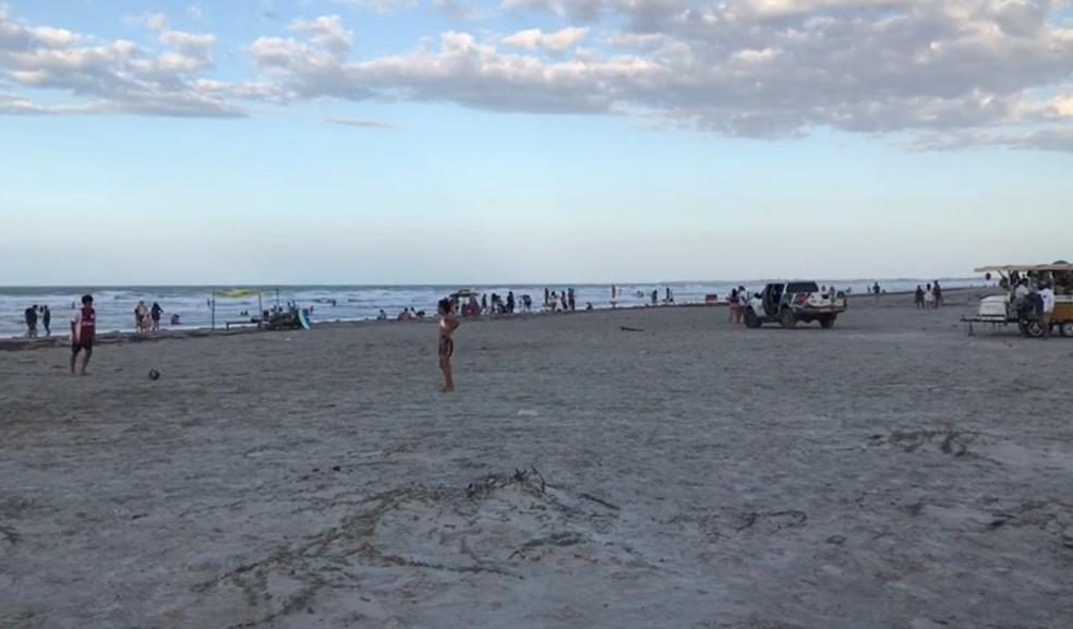 Bombeiros informaram que feriado prolongado lotou as praias do Piauí — Foto: Tiago Mendes/TV Clube