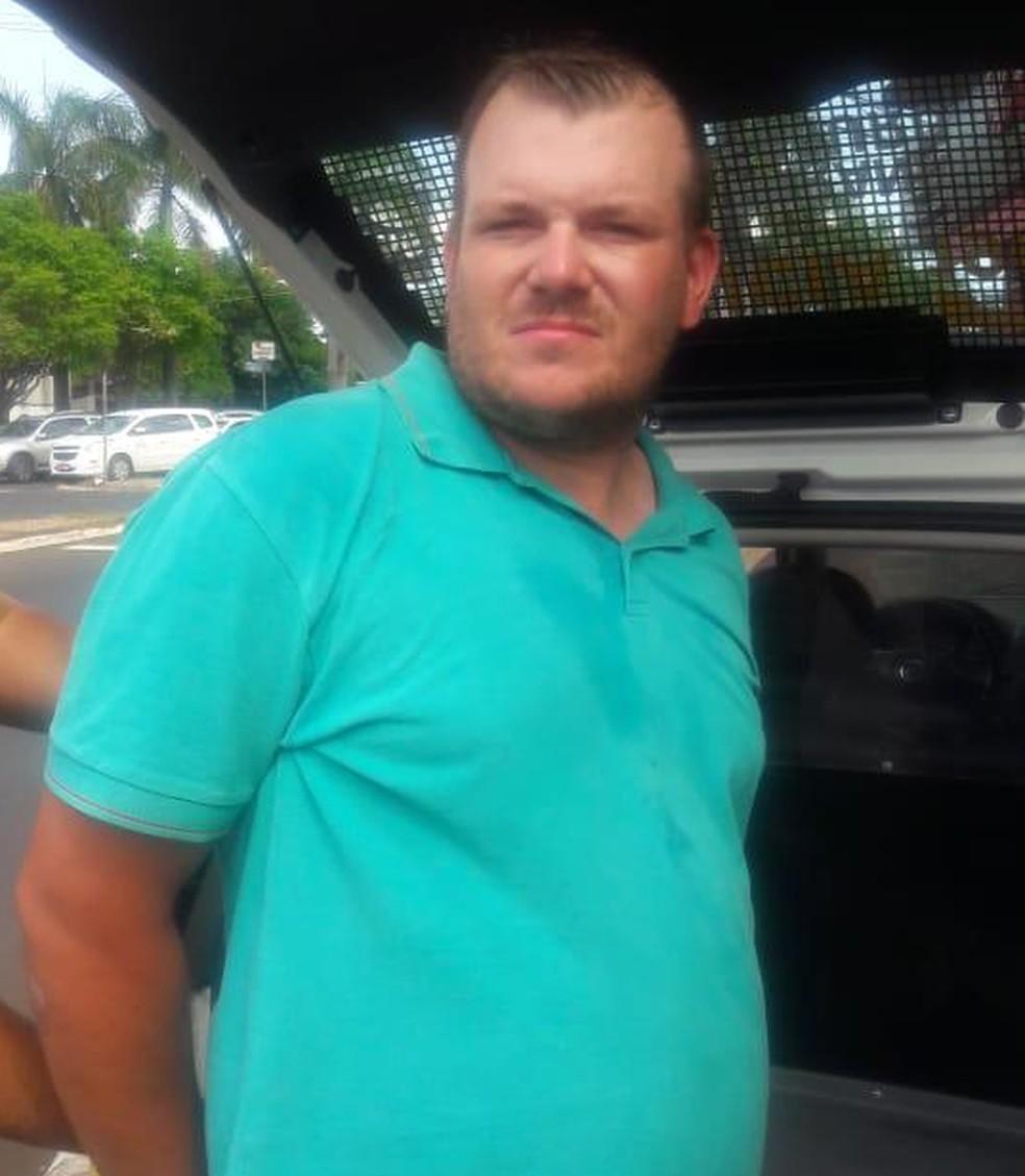 Alessandro Lautclenguer, de 31 anos, foi preso no Paraná — Foto: PM-PR/Divulgação