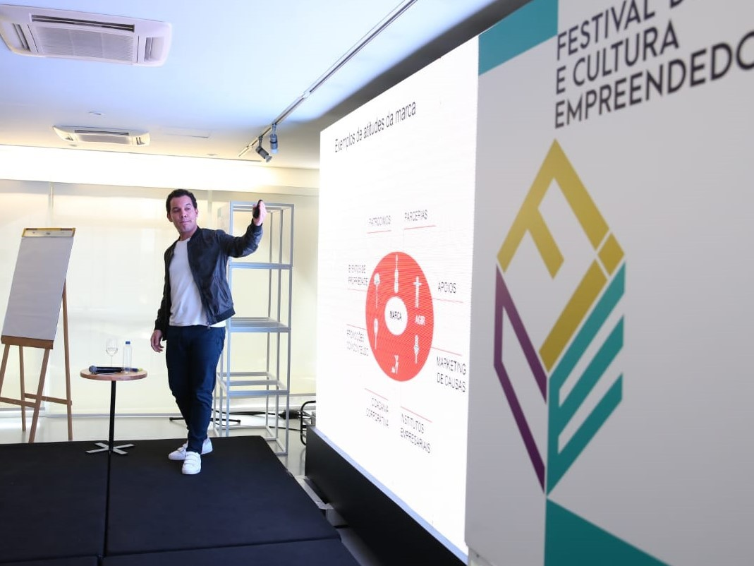 Lucas Foster, cofundador da ProjectHub, no FICE 2018 (Foto: Alexandre DiPaula)