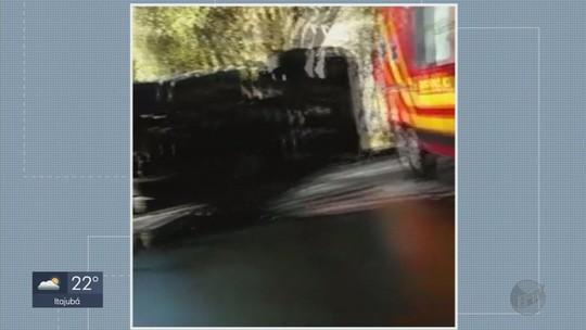Motorista de caminhão carregado com iogurte morre após tombar na BR-459