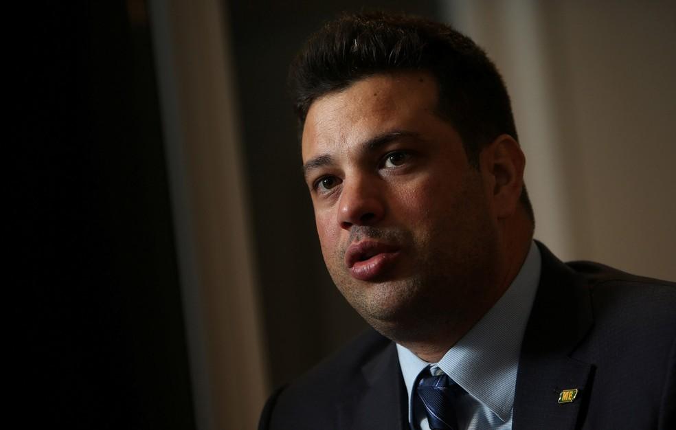 Leonardo Picciani durante entrevista em Brasília (Foto: Adriano Machado/Reuters)