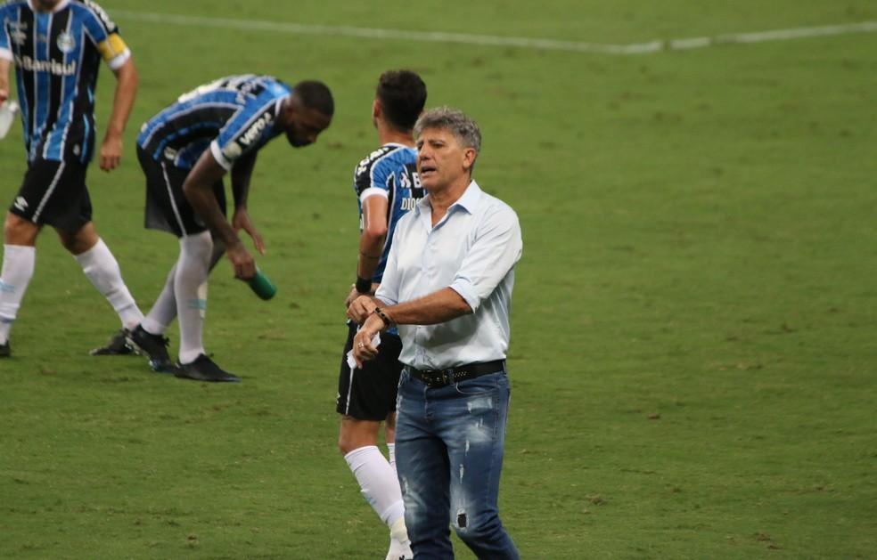 Renato Portaluppi em derrota do Grêmio — Foto: Eduardo Moura/ge