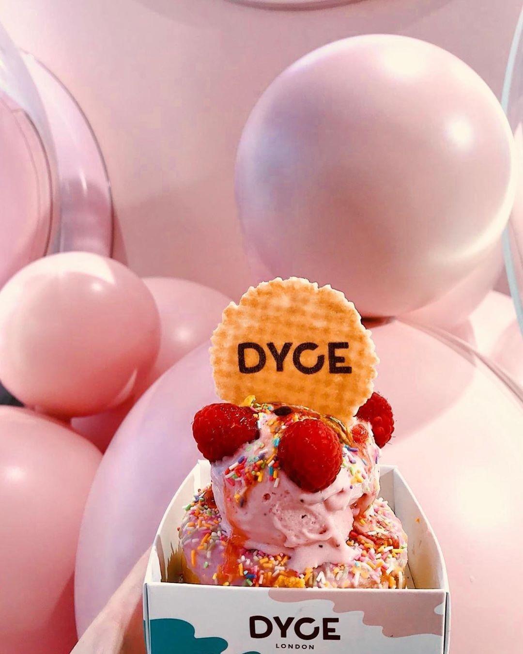 Nesta sorveteria em Londres, todos os cantos são instagramáveis (e rosa!) (Foto: Reprodução/Instagram)