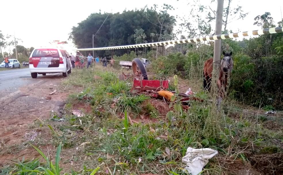 Acidente aconteceu na estrada vicinal que faz a ligação entre Bastos e Tupã — Foto: Valdecir Luis/Divulgação
