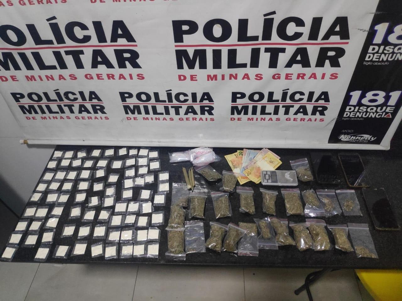 Grupo é detido com maconha e mais de 80 papelotes de cocaína em Formiga