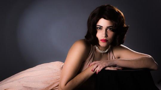Yasmin Gomlevisky posa como 'Hilda Furacão' e revela sonho de virar uma referência