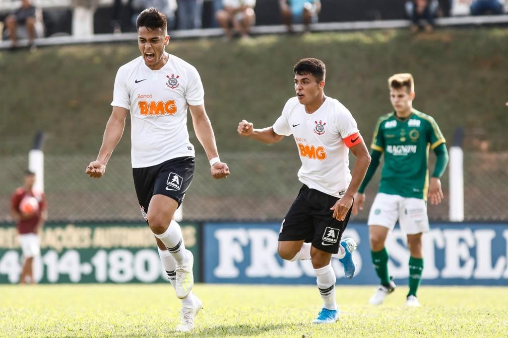 Hugo Sandoval e Roni em jogo do sub-20 do Corinthians — Foto: Rodrigo Gazzanel/Ag. Corinthians