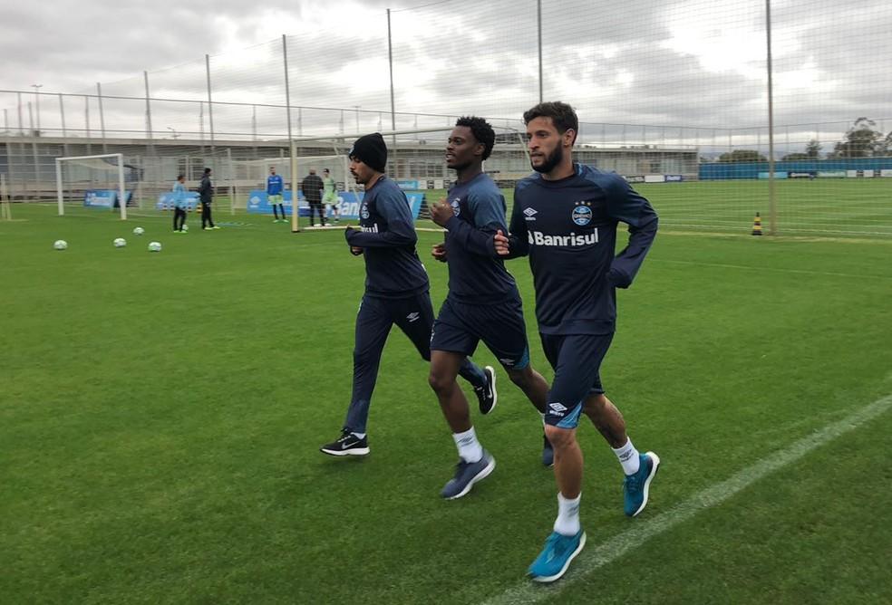 Juninho Capixaba participa de atividade no Grêmio  (Foto: Eduardo Moura)