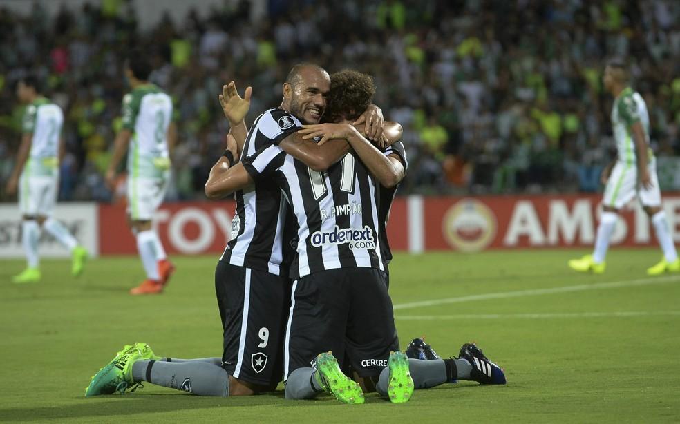 Vitória sobre o Atlético Nacional na Colômbia foi o mais marcante para CEP (Foto: RAUL ARBOLEDA / AFP)