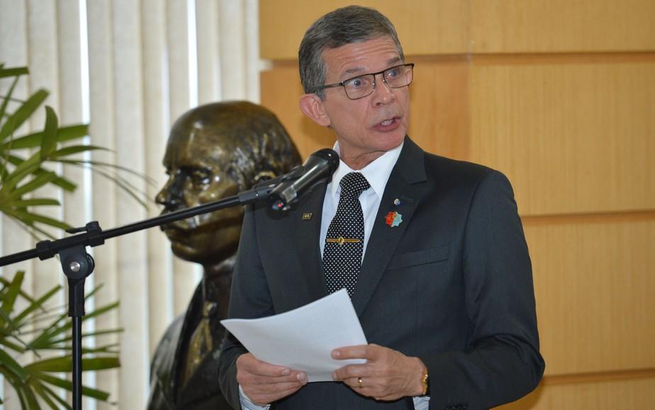 General Silva e Luna é o primeiro militar a assumir Ministério da Defesa