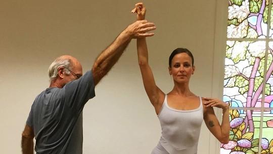 Fernanda de Freitas mostra habilidade no balé e se declara à dança e ao mestre: 'Saudade'