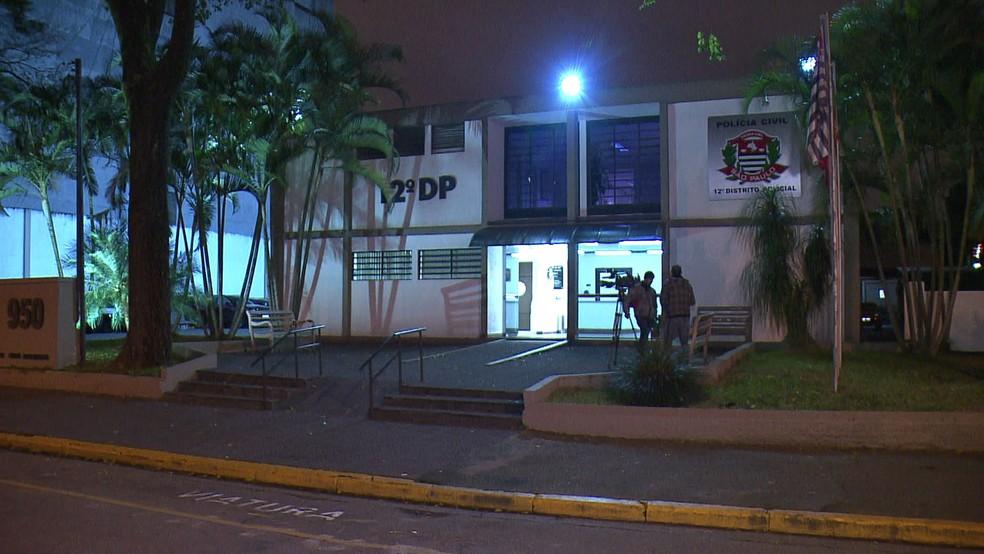 Caso foi registrado no 12º DP (Foto: Reprodução/TV Globo)