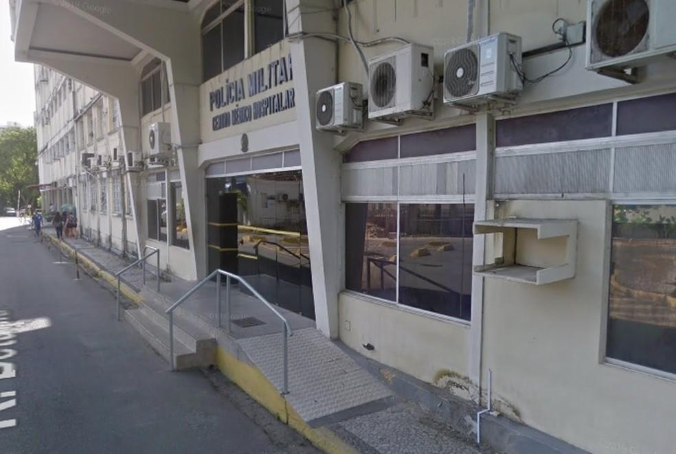 Centro Médico-hospitalar da Polícia Militar de Pernambuco fica no Recife — Foto: Reprodução/Google Street View