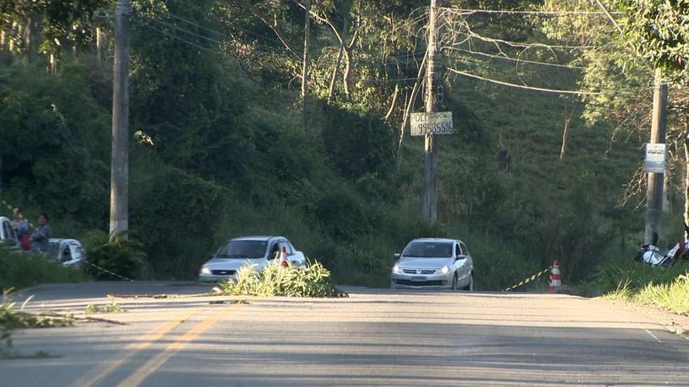 Trecho onde aconteceu o acidente é conhecido como 'Curva da Morte' (Foto: Ari Melo/ TV Gazeta)