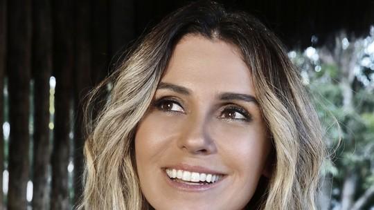 Giovanna Antonelli muda o visual e mostra loiro com fios platinados para 'Segundo Sol'
