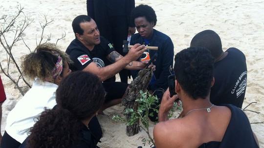 Núcleo caiçara de 'Sol Nascente' mostra como se preparou para dar vida ao grupo de pescadores