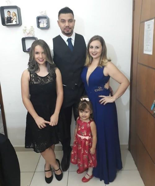Talita Cantori e sua família (Foto: Reprodução / Instagram)