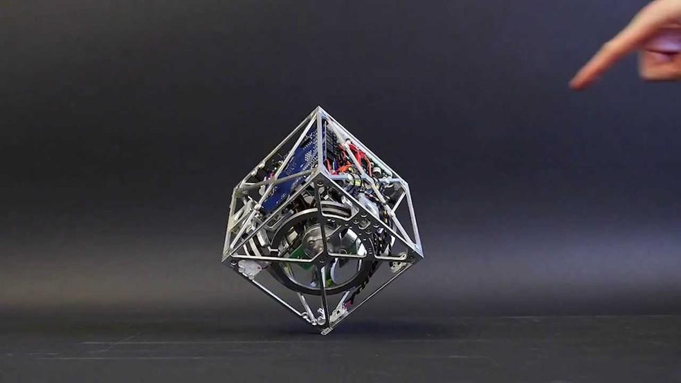 Cubli: o robô em formato de cubo (Foto: Reprodução/YouTube)