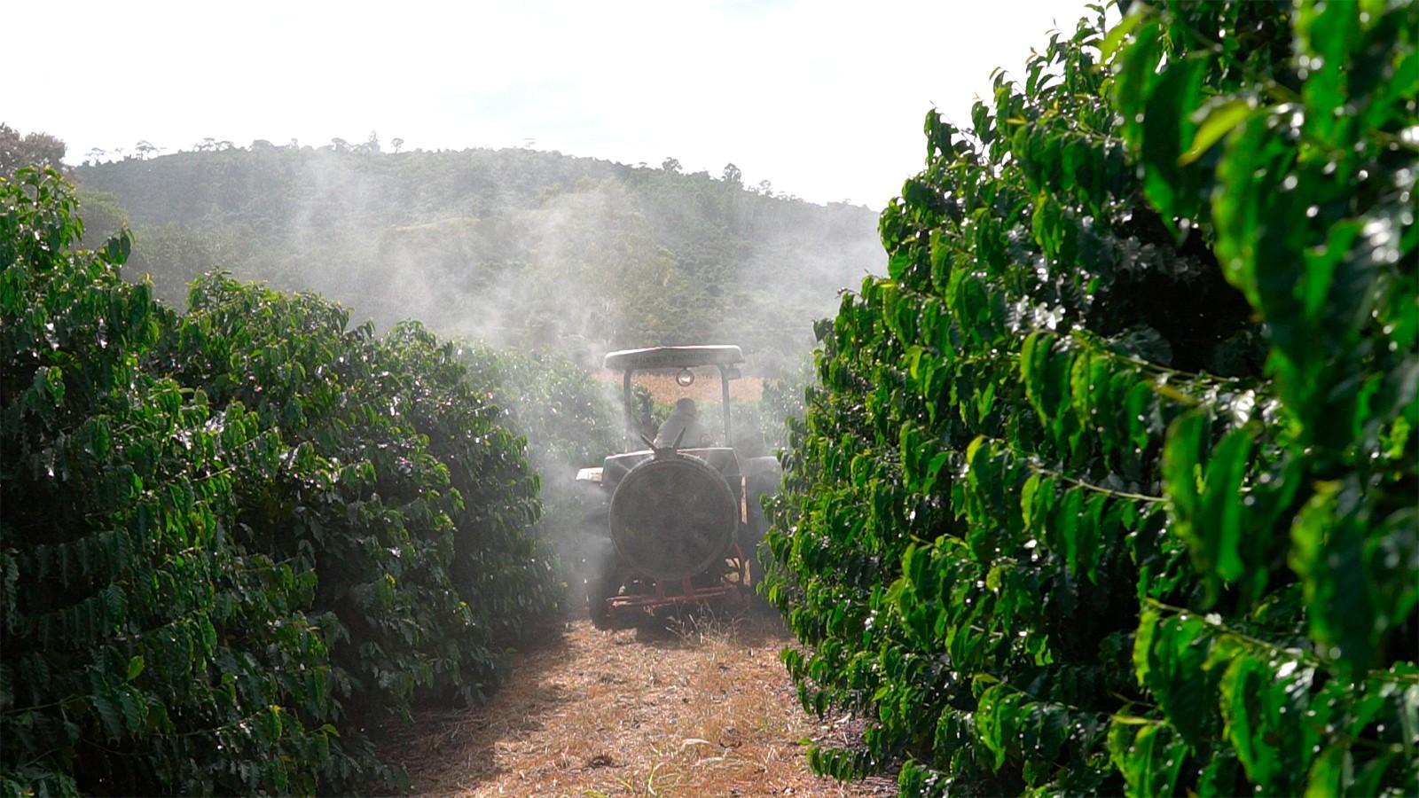 Tecnologia de ponta da Syngenta facilita pulverização na cafeicultura de montanha