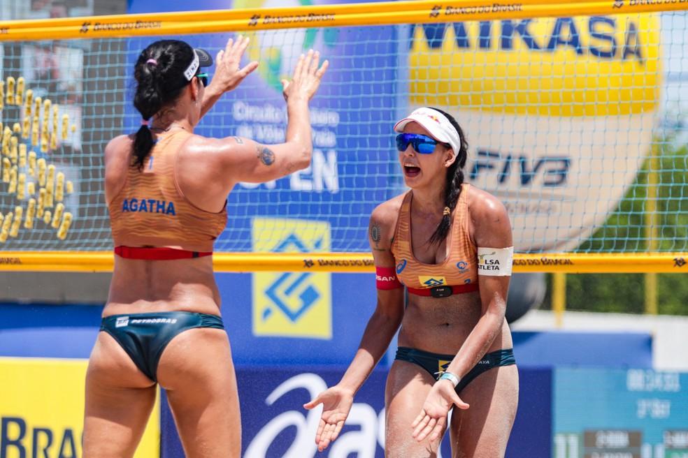 Ágatha e Duda em etapa do Circuito Brasileiro — Foto: Ana Patrícia/Inovafoto/CBV