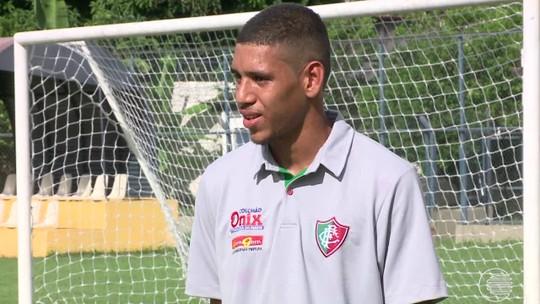 Em seu 1º clube, goleiro vira herói em título do Flu-PI ao catar pênalti