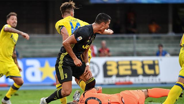 Chievo 2 x 3 Juventus - Campeonato Italiano 2018 19 rodada 1 - Tempo ... 620b28443237d