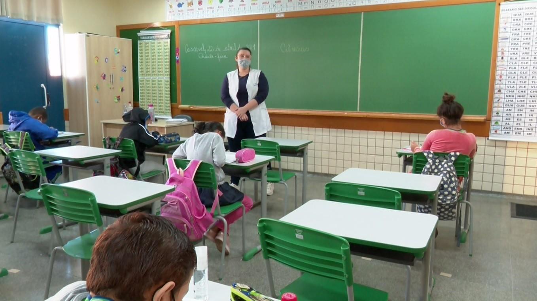 Escolas da rede pública de Cascavel retomam atividades presenciais na segunda-feira (21)