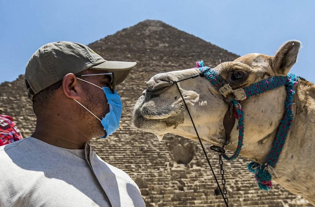 Pirâmides do Egito são reabertas ao público pela primeira vez depois da pandemia thumbnail