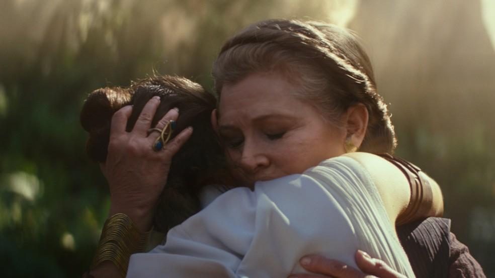 Daisy Ridley e Carrie Fisher em cena de 'Star Wars: A ascensão Skywalker' — Foto: Divulgação