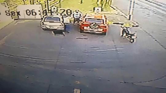 VÍDEO: homem leva tiro no olho durante assalto no DF