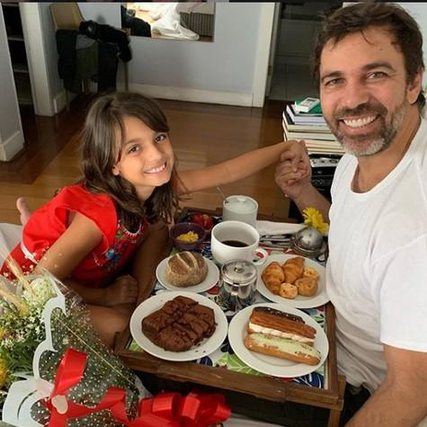 Marcelo Faria e a filha, Felipa (Foto: Reprodução/ Instagram)