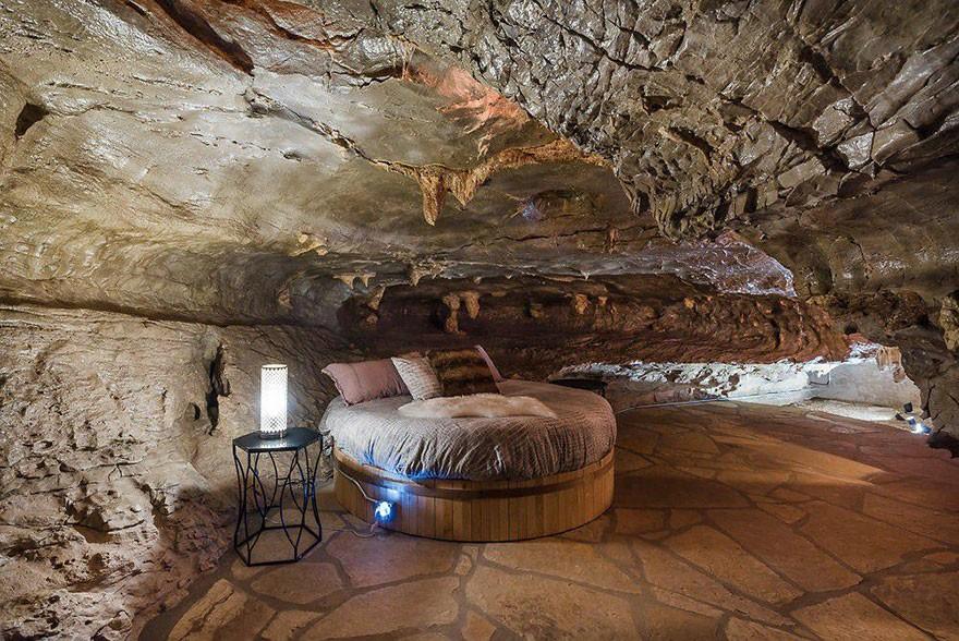 Caverna de luxo está à venda nos EUA (Foto: divulgação)