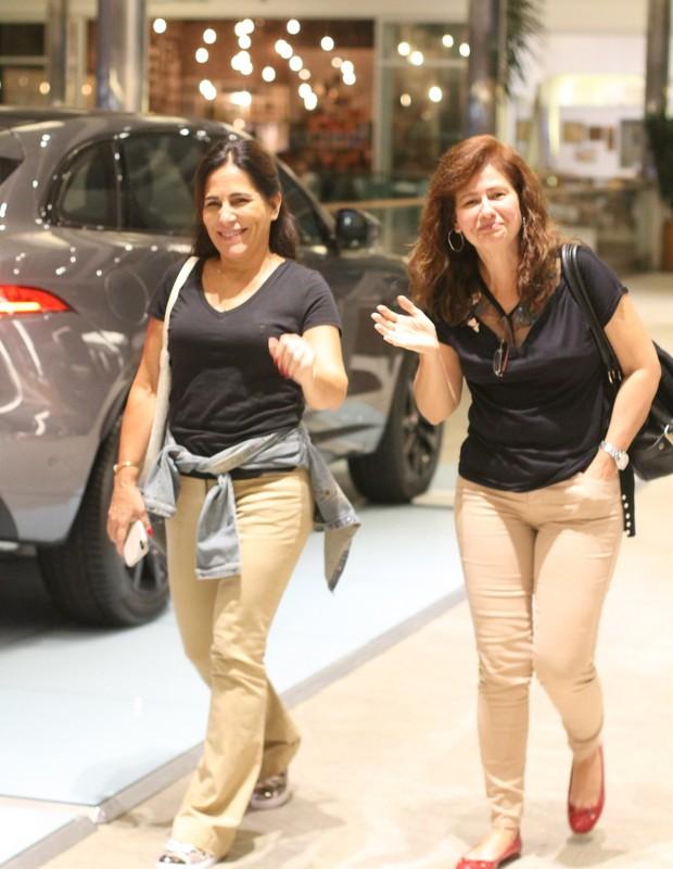 Gloria Pires e Narjara Turetta (Foto: Daniel Delmiro/AgNews)
