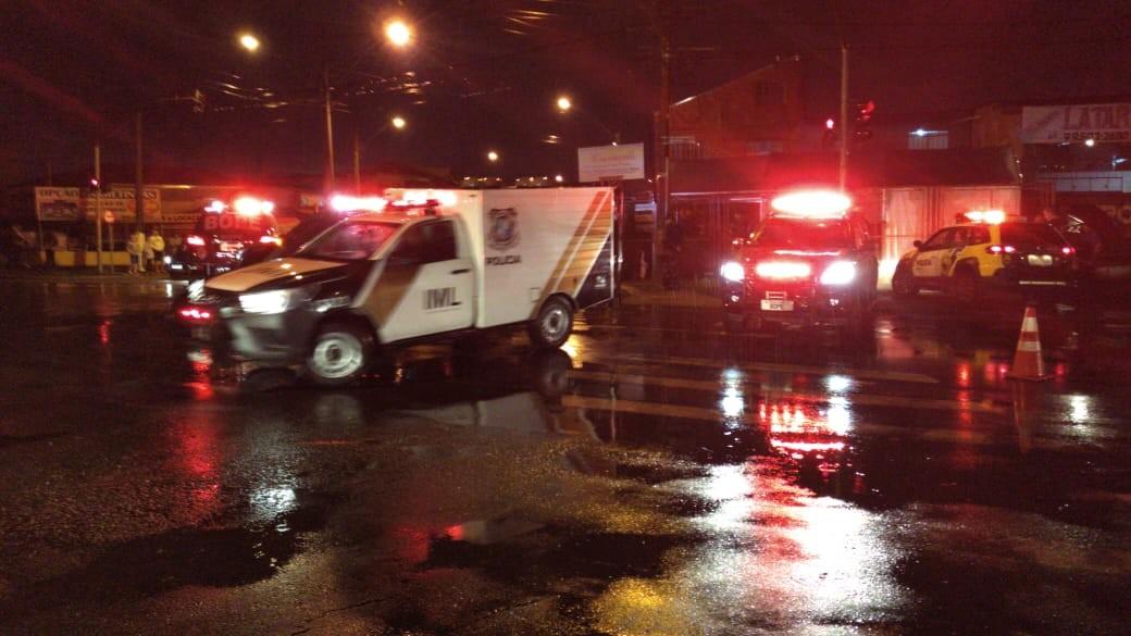 Suspeito de roubos morre em confronto com policiais na Cidade Industrial de Curitiba, diz PM