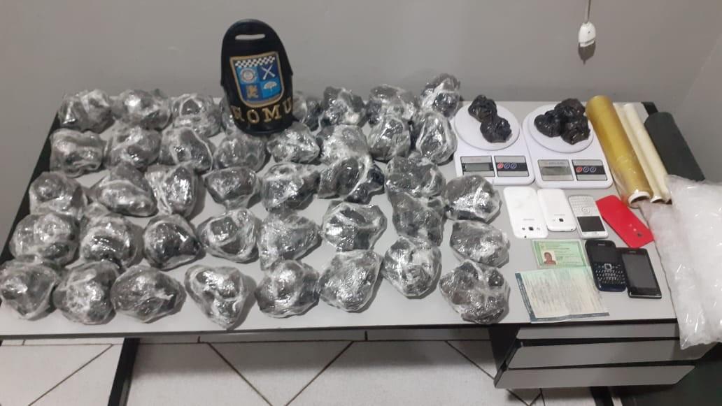 Adolescente suspeito de tráfico é detido com mais de 6 mil porções de cocaína em Limeira