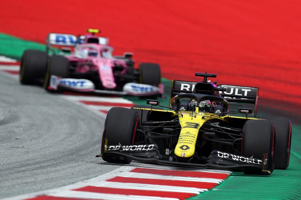 Ricciardo à frente de Stroll no GP da Estíria — Foto: Getty Images