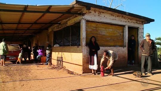 Um ano após conflito, indígenas seguem em abrigo provisório em Erebango