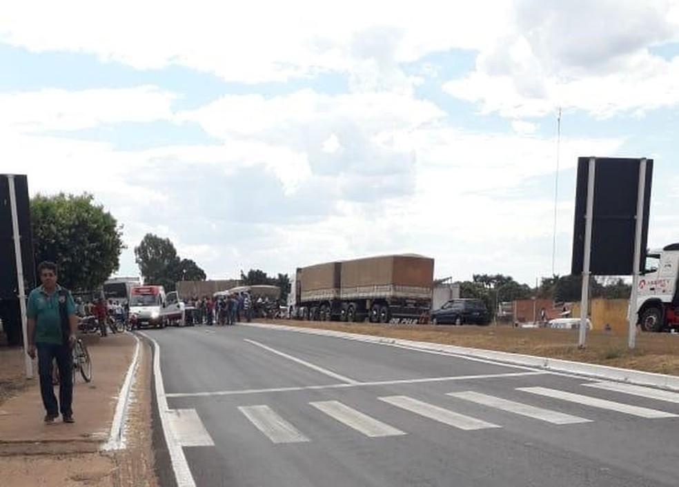 Acidente ocorreu na BR-364, no perímetro urbano de Jaciara — Foto: Márcio Fidelis/Arquivo pessoal