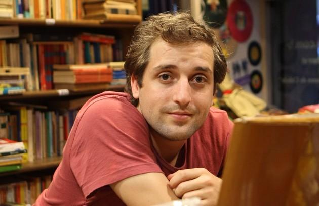 Gregorio Duvivier, do canal de humor Porta dos Fundos, lista cinco programas de humor que ele adora (Foto: Hudson Pontes)