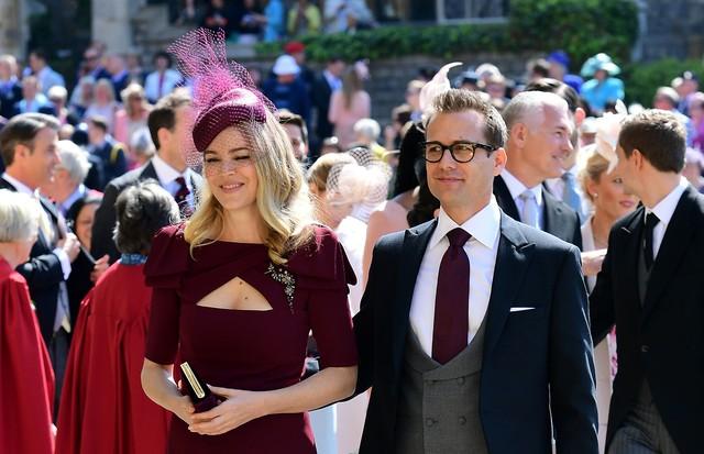 casamento real colegas de elenco de meghan markle em suits a prestigiam vogue gente colegas de elenco de meghan markle em