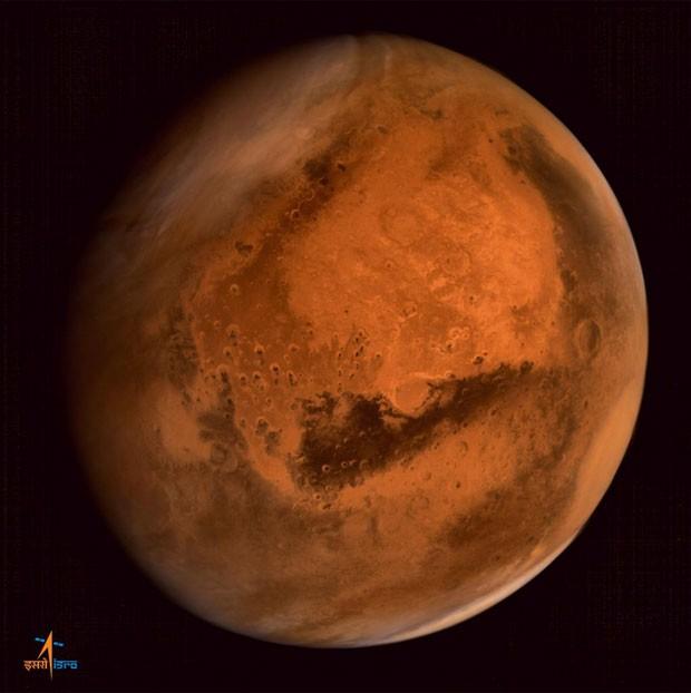 Imagem feita pelo equipamento indiano mostra o planeta Marte (Foto: Divulgação/Twitter/@MarsOrbiter)