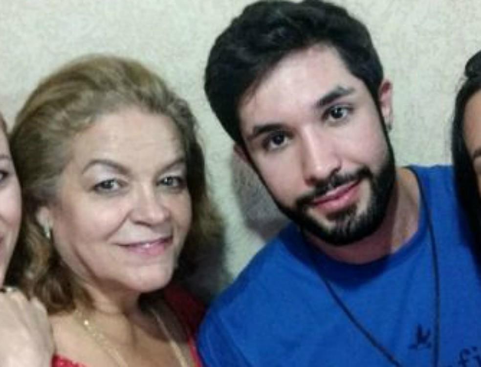 Cristina Galante Assalin com o filho, Heber Galante Assalim Junior (Foto: Reprodução/Facebook)