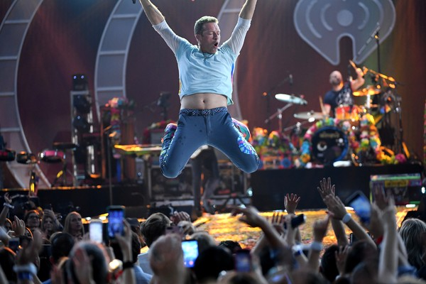 Chris Martin em show do Coldplay (Foto: Getty Images)