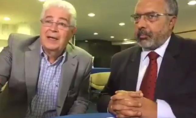 Os senadores Roberto Requião (PMDB) e Paulo Paim (PT)