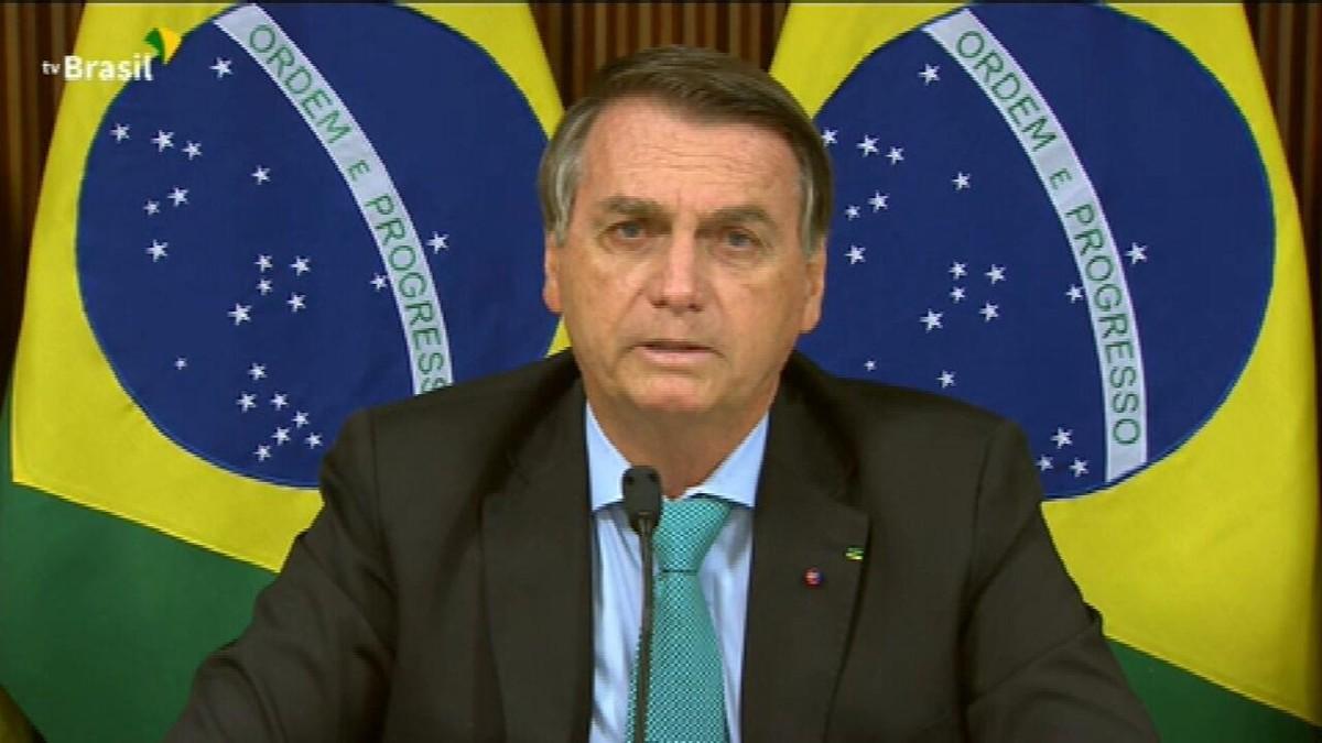 Bolsonaro promete reduzir emissões e pede 'justa remuneração' por 'serviços ambientais' prestados pelo Brasil
