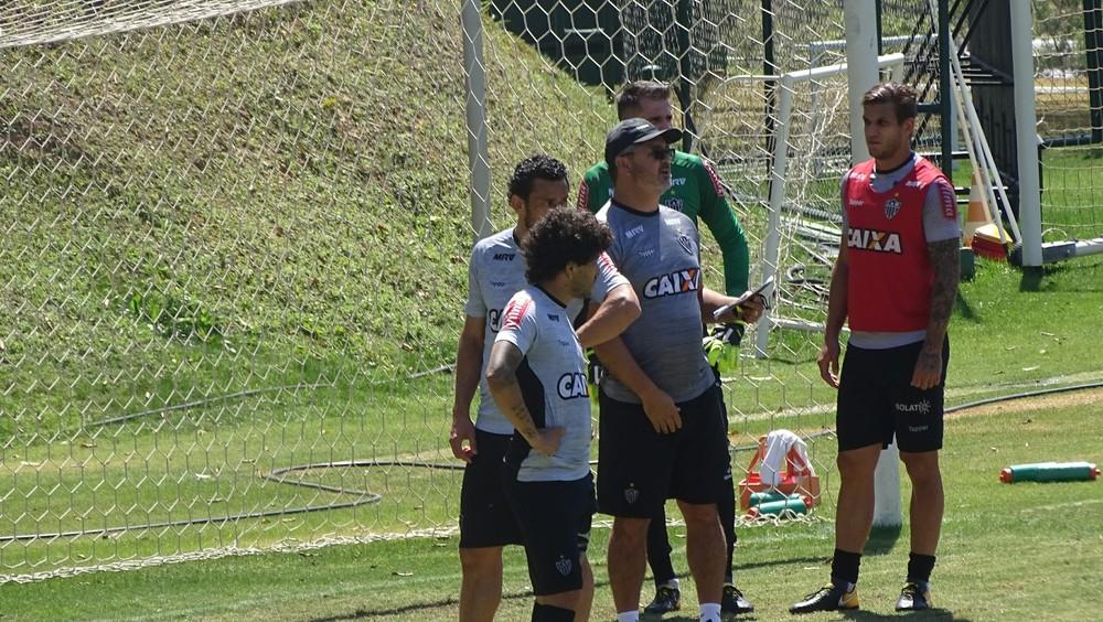 Atlético-MG busca gol no fim e consegue empate contra o Avaí