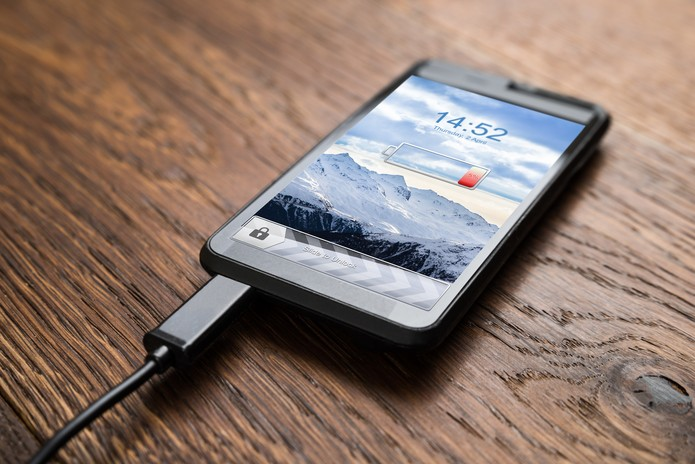 smartphone-carrega-bateria (Foto: Pond5)