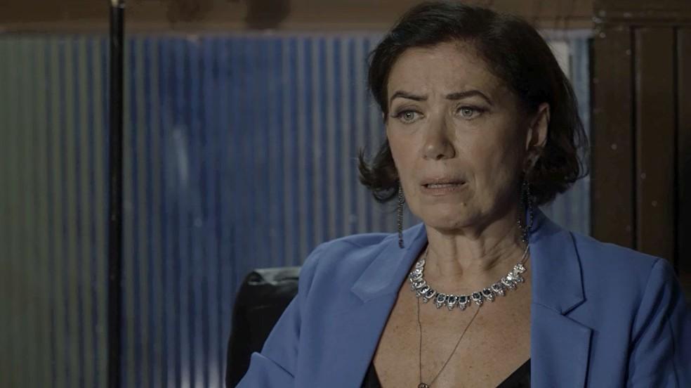Valentina (Lilia Cabral) descobre que foi roubada e reação da empresária não é nada boa, na novela 'O Sétimo Guardião' — Foto: TV Globo